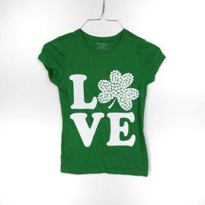 L435 Place Green Love Shamrock Tee Size Medium 7/8
